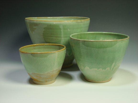 Green ceramic nestling bowls